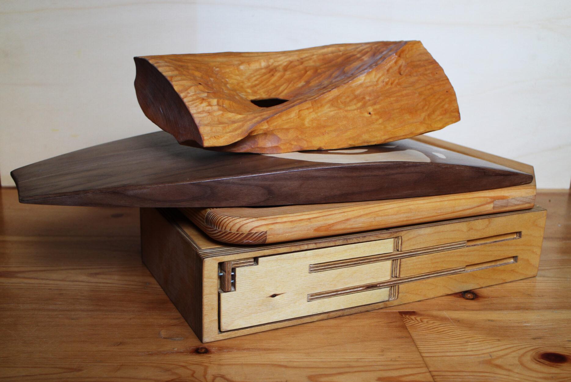 gestapelte Holzarbeiten